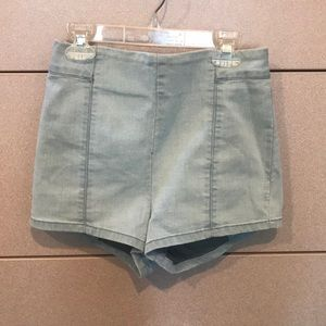 HIGH WAISTED URBAN OUTFITTERS DENIM SHORTS